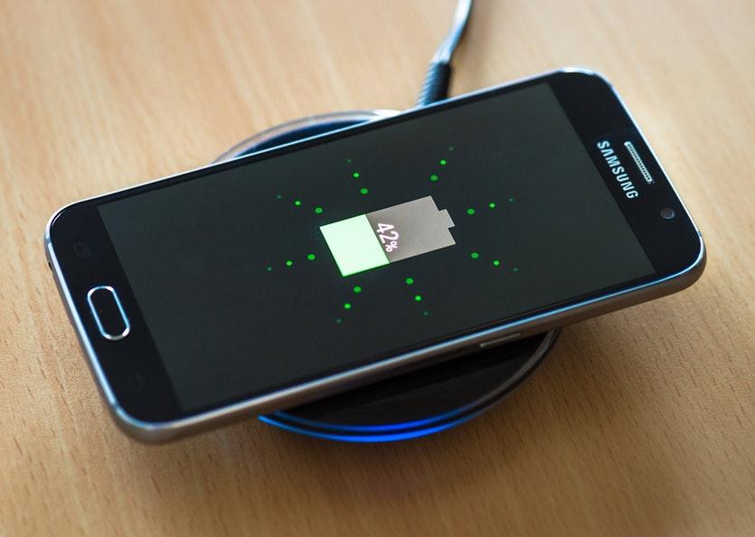 Apa Itu Wireless Charging Dan Kegunaannya Pada Peranti Gajet
