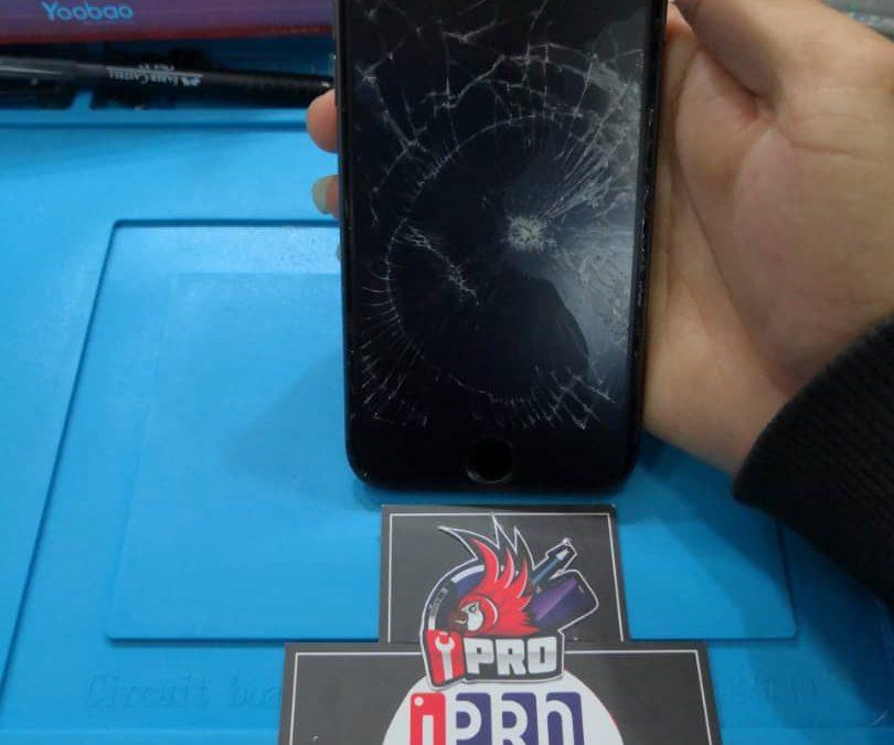 Penukaran Skrin iPhone 8 Di iPro Ampang